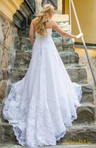 trappa bröllopsklänning fotografering
